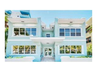 221 Collins Ave #6, Miami Beach, FL 33139