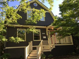 2450 Southeast Taylor Street, Portland OR