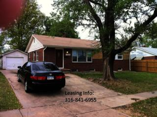 7802 E Lincoln St, Wichita, KS 67207