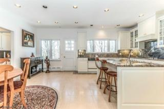 73-3 Post Kunhardt Rd, Bernardsville, NJ 07924