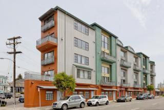 850 West Grand Avenue #D, Oakland CA