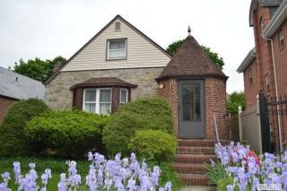 6953 179th St, Queens, NY 11365