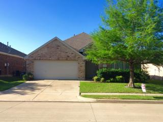 4304 Finch Dr, Fort Worth, TX 76244