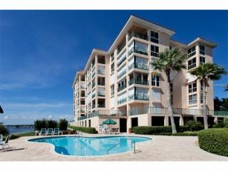 4850 Osprey Drive South #402, Saint Petersburg FL