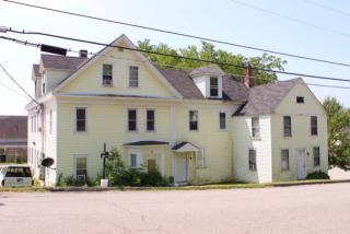 70 Franklin St #6, Bucksport, ME 04416