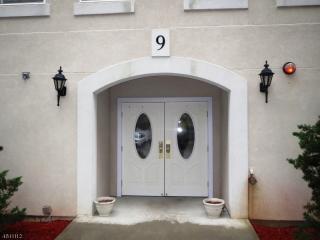 918 Burgundy Way, Wayne, NJ 07470