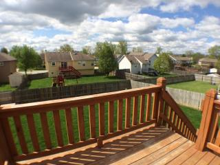 1607 Cove Dr, Raymore, MO 64083