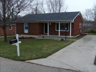 313 Memorial Dr, Shelbyville, KY 40065