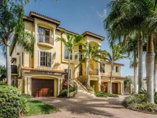 2821 Seabreeze Drive South, Gulfport FL