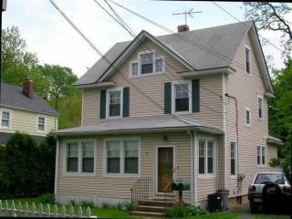 40 Penataquit Pl, Huntington, NY 11743