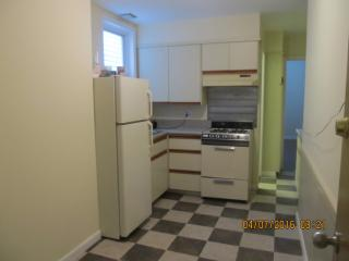 Glendale, Queens, NY 11385