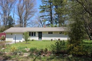 32 Colonial Way, Holliston MA