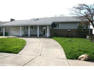 29103 Cresthaven Dr, Willowick, OH 44095