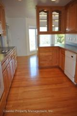 3385 Rhododendron Dr, Florence, OR 97439