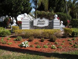 6886 Bogey Dr, Fort Myers, FL 33919