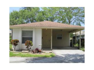 4928 Live Oak Circle, Bradenton FL