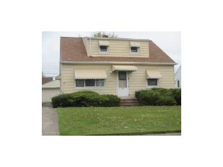 15717 Northwood Avenue, Maple Heights OH
