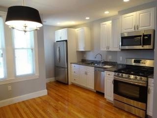 739 E 5th St #1, Boston, MA 02127