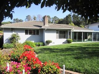2804 Trousdale Dr, Burlingame, CA 94010