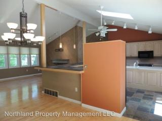 4162 Huntington Dr, Traverse City, MI 49686