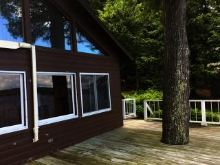 33 Lake Ave, Gray, ME 04039