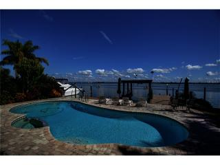 709 Harbor Is, Clearwater Beach FL