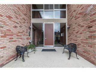 4049 West Maple Road #103, Bloomfield Hills MI