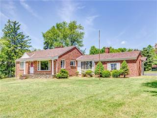 3151 East Wallings Road, Broadview Heights OH