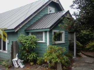 760 Clear Lake Ave, Winchester Bay, OR 97467