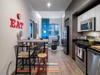 525 W 28th St, New York, NY 10001