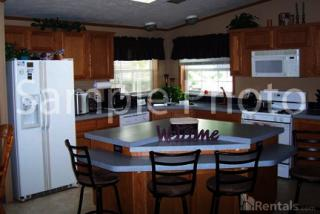 3607 Cedar Knoll Cir, Waterloo, IA 50701