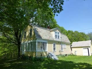 42 Ray Hill Rd, Wilmington, VT 05363