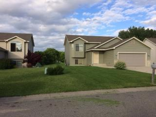 605 Colodoro Ln, Eagle Lake, MN 56024