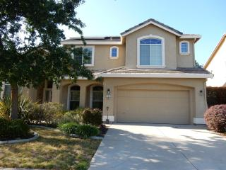 708 Hunter Pl, Folsom, CA 95630
