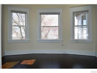 128 Kelsey St, Bridgeport, CT 06607