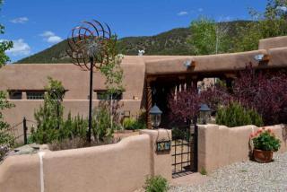 514 Camino Solana, Taos NM