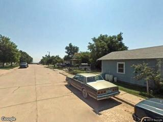 723 E 4th St, Hoisington, KS 67544