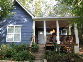 960 Forest Heights Dr, Athens, GA 30606