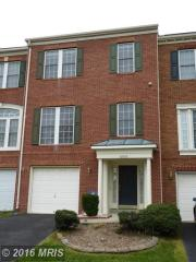 42942 Golf View Dr, Chantilly, VA 20152