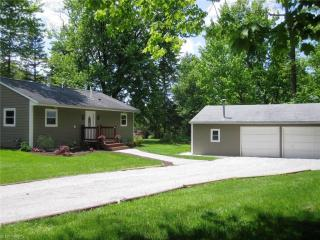 18628 Snyder Road, Chagrin Falls OH