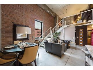 250 Park Ave #707, Minneapolis, MN 55415