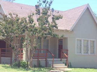 903 McCaulley St, Sweetwater, TX 79556