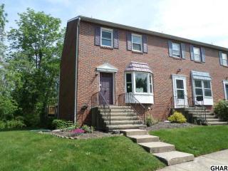 38 Fairfax Vlg, Harrisburg PA