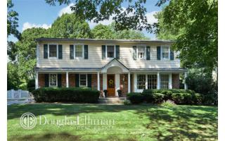 9 Middleville Road, Northport NY