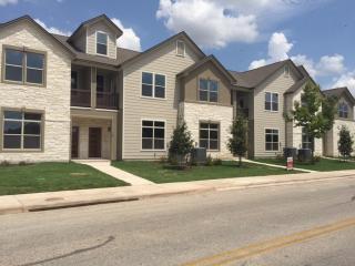 700 Applewood Drive, Pflugerville TX
