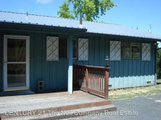 2395 W Crestview Ave, Roseburg, OR 97471