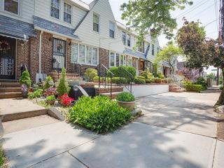 6549 77th Street, Middle Village NY