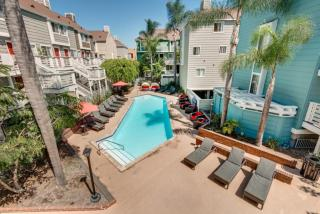 21270 Beach Blvd, Huntington Beach, CA 92648