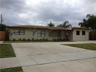 230 SW 15th St, Pompano Beach, FL 33060