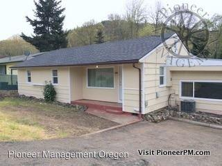 1151 NE Newton Creek Rd, Roseburg, OR 97470